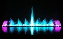 云南江川开渔节湿地广场漂浮式音乐喷泉2009