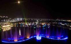 大型湖面漂浮式音乐喷泉