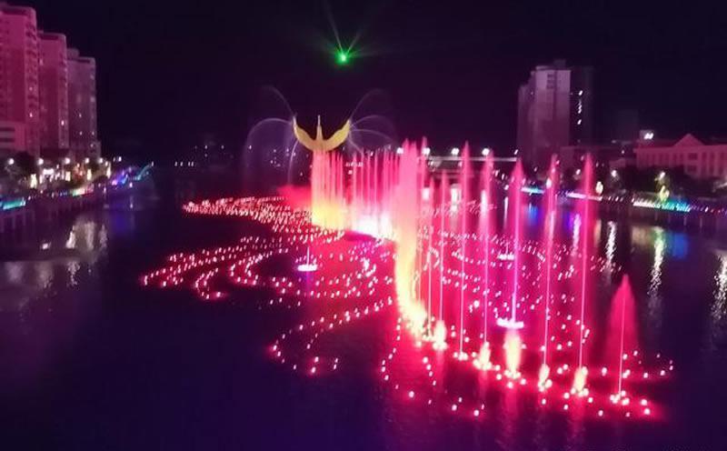 凤凰湖的音乐乐虎体育app下载.jpeg