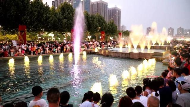 济宁高新区新添一个超美景打卡圣地—新世纪广场音乐喷泉