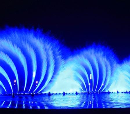 华兴大型湖面组合喷泉