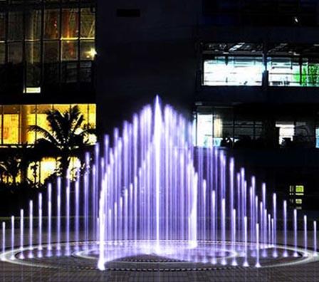 旋转旱地喷泉