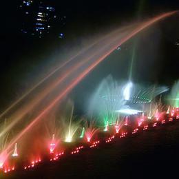 大型湖面喷泉
